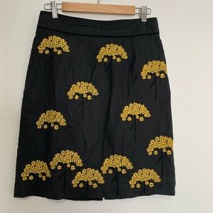 Floreat skirt embroidered yellow on charcoal